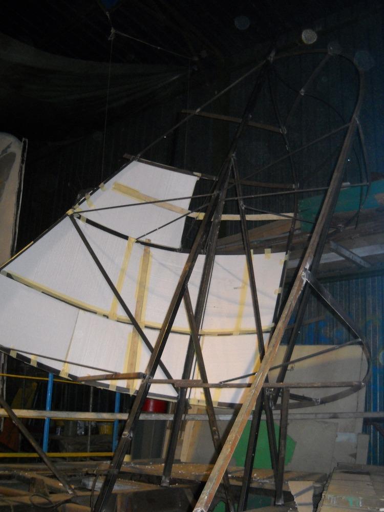 costruzione del carro 2011  ' Capitan Uncino sbarca all'Africa' (1/6)